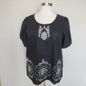 Lucy & Laurel Plus Size 2X Black Embroidered Top